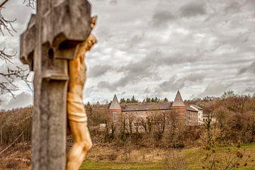 Kruisbeeld in de buurt van  Sint- Benedictusberg bij Mamelis van