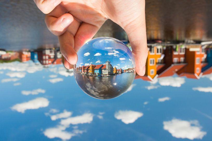 Reitdiephaven met glazen bol van Iconisch Groningen