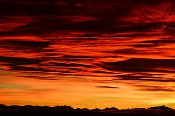 Zonsondergang in El Calafate (Argentijns Patagonië) von Carl van Miert