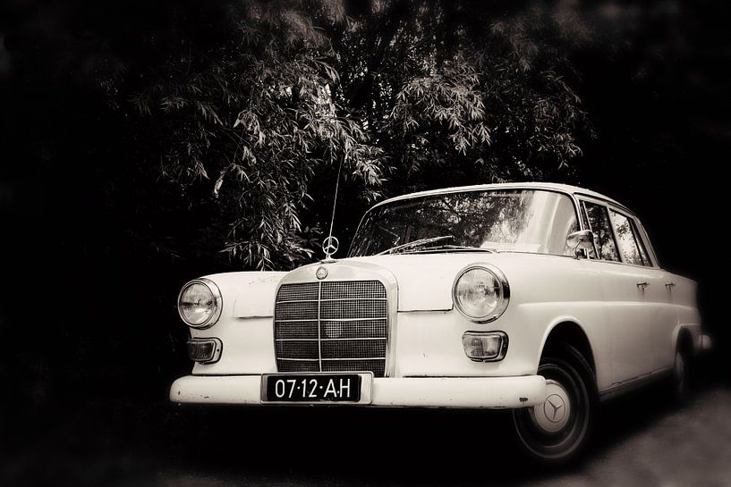 Old Benz van LHJB Photography
