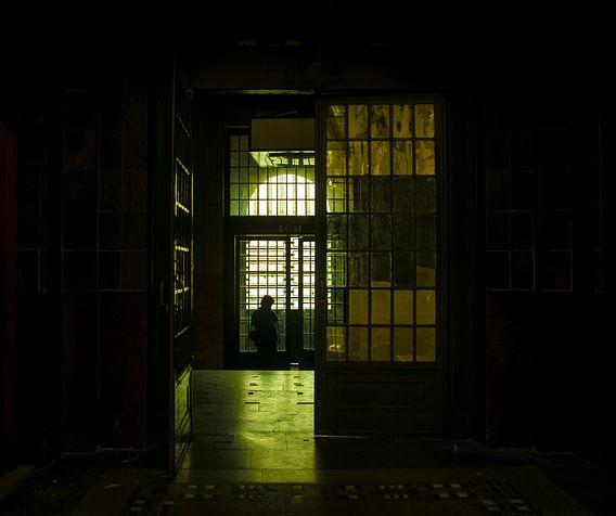 Urbex. Het oude postkantoor in Rotterdam. van Saskia van Gelderen