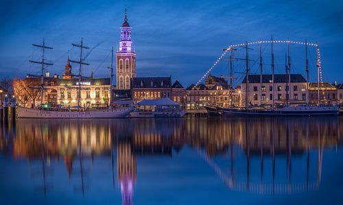 Skyline van Kampen met de Nieuwe Toren en Bruine Vloot van