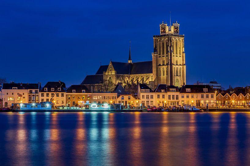 Skyline van Dordrecht met de Grote Kerk - 1 van Tux Photography