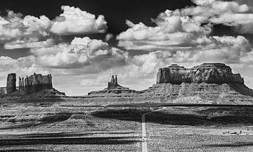 Monument Valley vom Highway 163 aus gesehen von Henk Meijer Photography