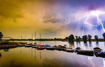 Blitzbesuch am Oosterbeeker Rheinufer Nr.1 von Sébastiaan Stevens