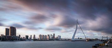 Erasmusbrug Rotterdam van Mark De Rooij