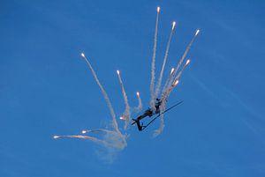 Apache met flares