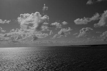 Zon Zee en Wolken. van