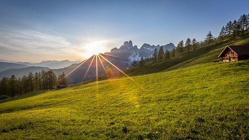 """Berglandschap """"Zonsondergang achter de bergen"""""""