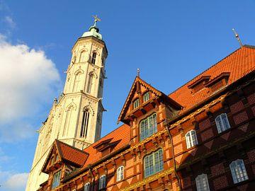 De Oude Waag voor de St. Andreaskerk... van Ralf Schroeer