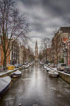 Groenburgwal met de Zuiderkerk in Amsterdam in de winter. van Don Fonzarelli