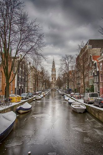 Groenburgwal met de Zuiderkerk in Amsterdam in de winter.