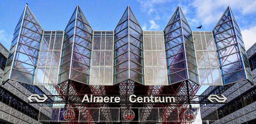 Station Almere Centrum van Arjan Schalken