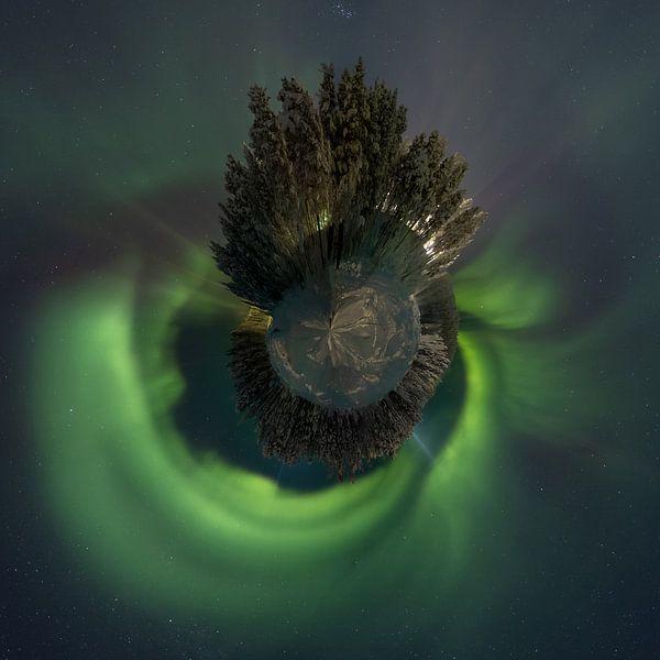 Little planet Aurora van Rene Wolf