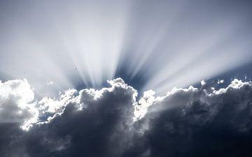 Soleil dans les nuages sur Stijn Cleynhens