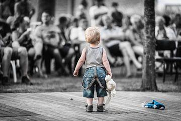 Boy on stage van Geert-Jan Timmermans
