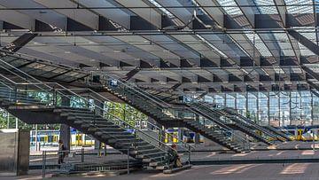 Trappen naar perrons station Rotterdam Centraal van Rinus Lasschuyt Fotografie