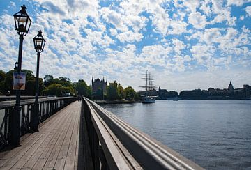Brug naar Skeppsholmen in Stockholm, Zweden. von Cilia Brandts