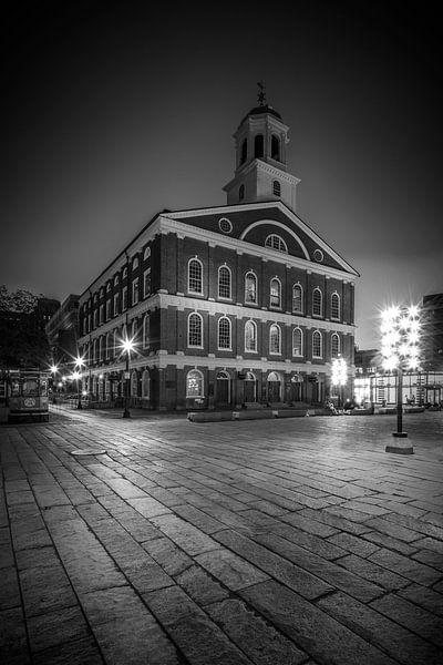 BOSTON Faneuil Hall 's nachts | monochroom van Melanie Viola