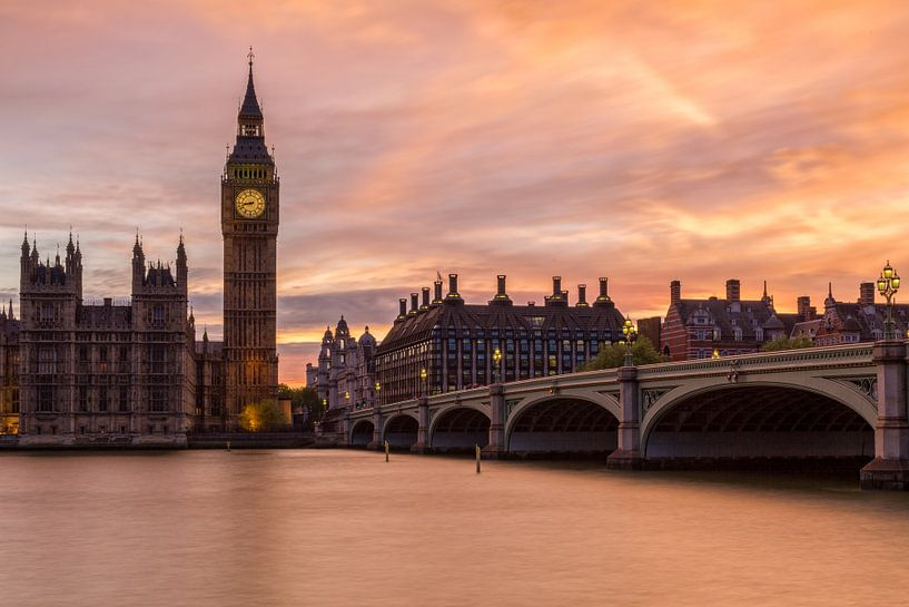 Sonnenuntergang am Big Ben in London von Thomas van Galen