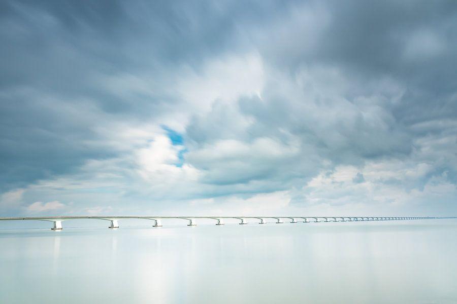 Lange sluitertijd Zeelandbrug (II) van Mirjam Boerhoop - Oudenaarden