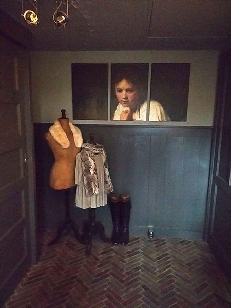 Photo de nos clients: Fille dans la fenêtre - Rembrandt van Rijn sur Marieke de Koning, sur toile