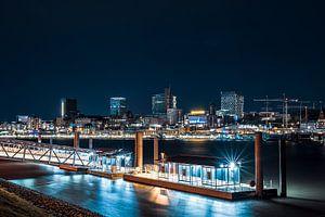 Vue nocturne sur l'Elbe sur Florian Kunde