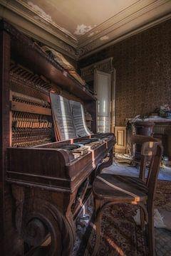 old piano van Jan van de Riet