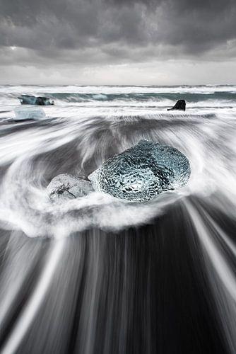 Blok ijs in de branding van Ralf Lehmann