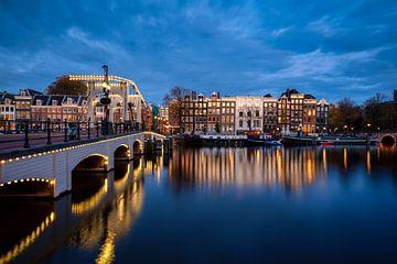Magere Brücke an der Amstel, Amsterdam von Thea.Photo