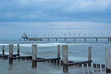 Seebrücke am Strand von Zingst von Katrin May