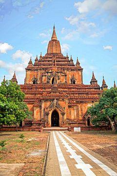 De Sulamani tempel in het dorpje  Minnanthu (zuidwest van Bagan) in Myanmar van Nisangha Masselink