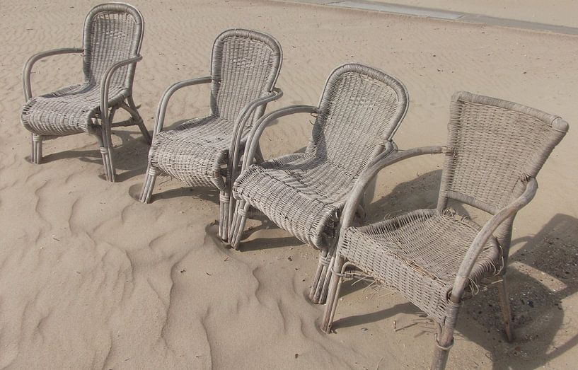strandstoelen, der strandkorbe, beach-chairs van Yvonne de Waal Malefijt