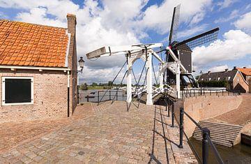 Ophaalbrug en molen van Vestingstad Heusden van Rob Kints