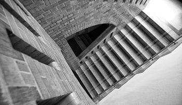 Trappenhuis in sanatorium. van Bas van Rooij
