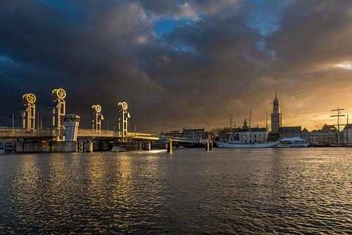 Stadsfront van Kampen in het gouden uur