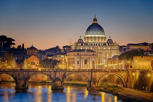 Vaticaan bij zonsondergang II van Sjoerd Mouissie