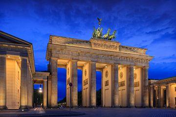 Brandenburger Tor bij schemering  van