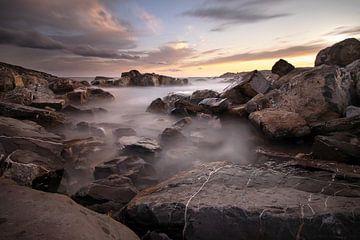 Felsen am Meer von Markus Bieck