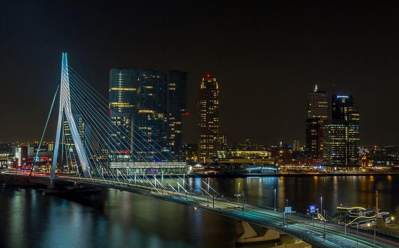 De skyline van Rotterdam met Erasmusbrug van MS Fotografie | Marc van der Stelt