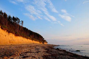 Steile kust in de winter van Ostsee Bilder