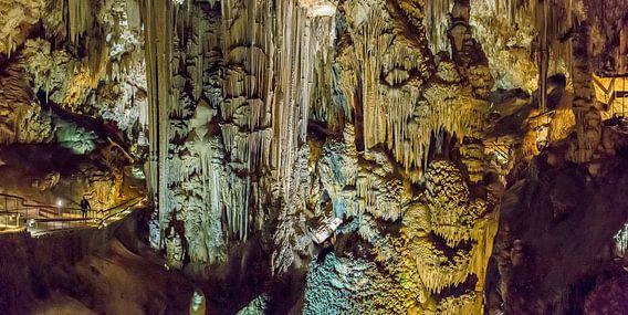 De druipsteengroteen Cueva de Nerja, Nerja, Andalucia, Spanje