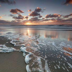 Zonsondergang bij het strand van Callantsoog van Dennisart Fotografie