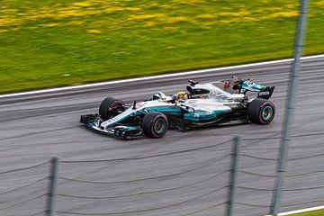 Lewis Hamilton in actie tijdens de Grand-Prix van Oostenrijk 2017 sur Justin Suijk