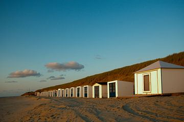 Strandhäuser bei Sonnenuntergang von Wim van der Geest