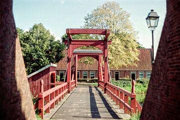 Ophaalbrug Bourtange I Groningen I Analoog gefotografeerd I Vintage kleurenprint van Floris Trapman