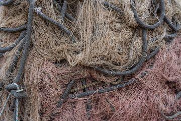 Fischnetz mit Seilen von Daan Kloeg