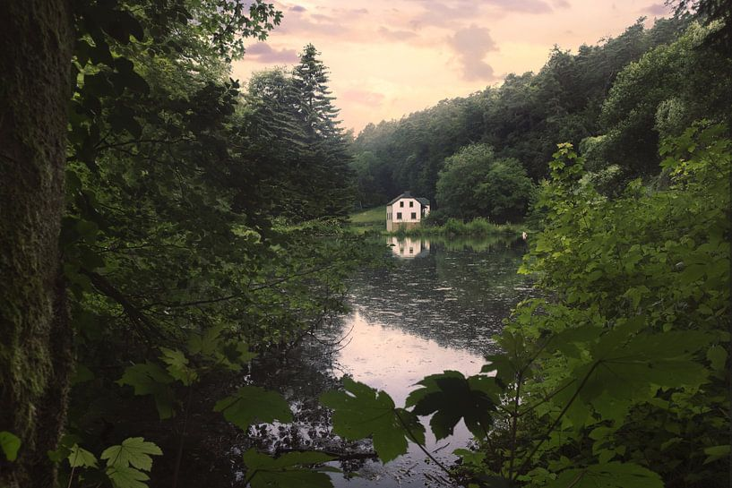 Huisje aan het water van Arjen Roos