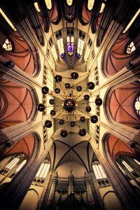 Omhoog kijken in de Utrechtse Domkerk