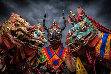 Monniken met draken maskers tijdens dans in Bhutan. Wout Kok One2expose van